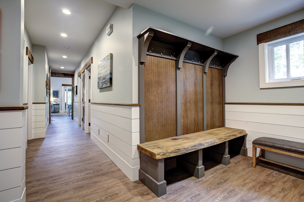 foyer mudroom