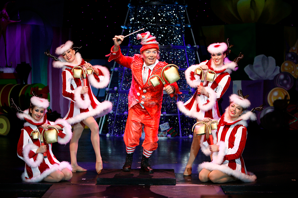 Ringing in the Holidaze Cirque Dreams