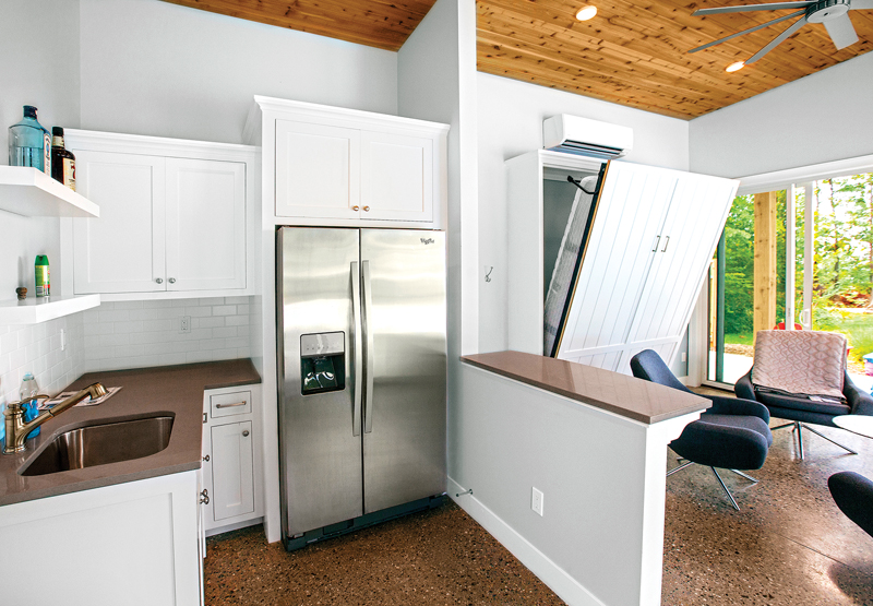 Tiny Cottage - Murphy Bed