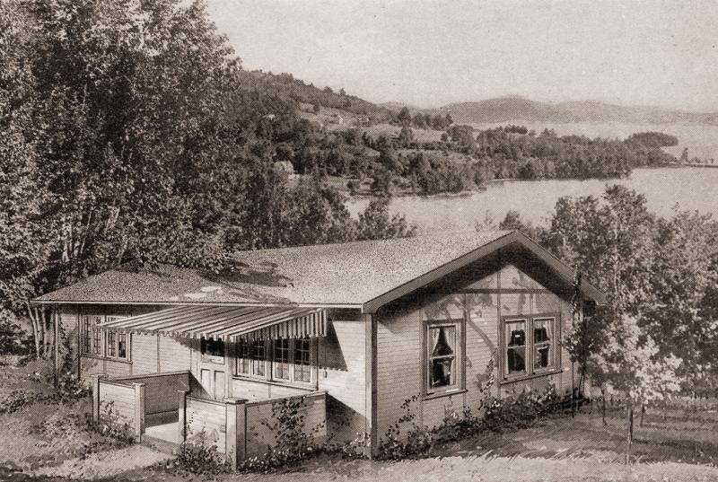 Minnetonka cottage model