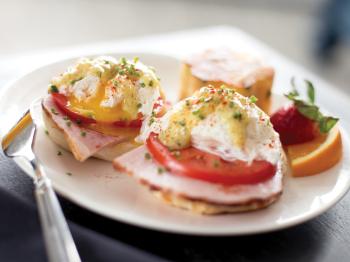 Hotel Saugatuck - Eggs Benedict