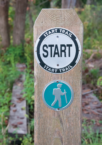 Start Trail sign