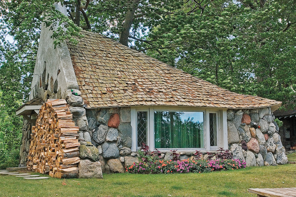 Earl Young Mushroom House front