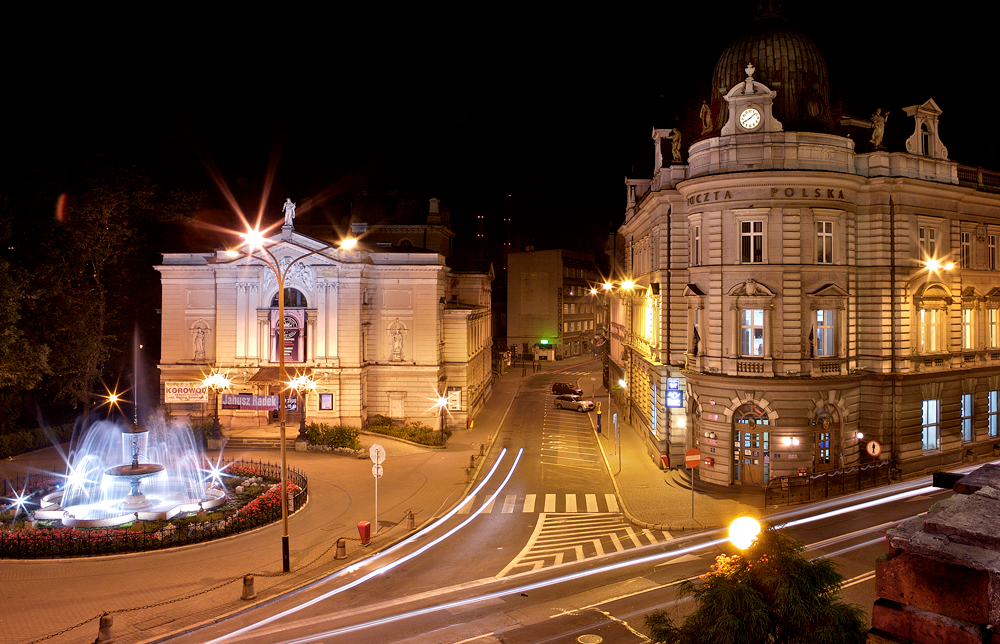 Fountain Theater and Post at Night - Photography by Dan Watts