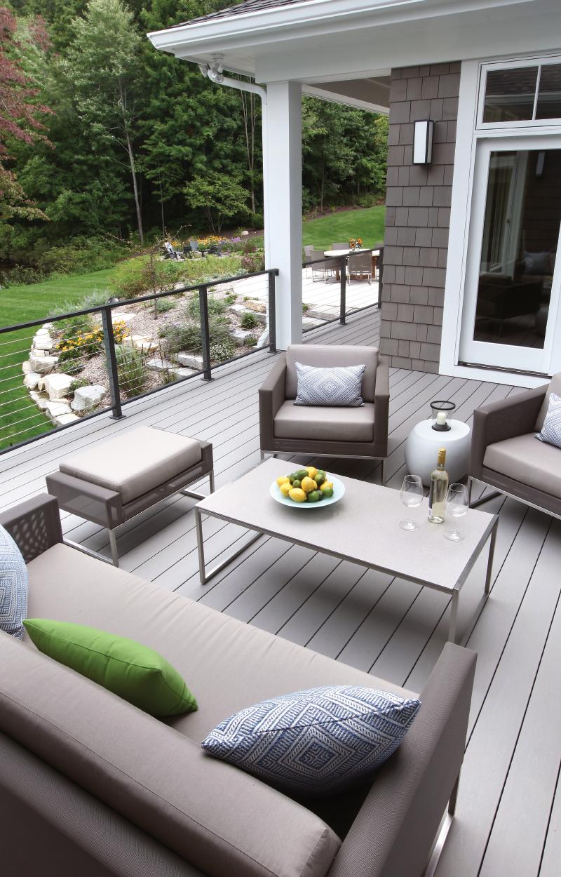 Expansive back deck