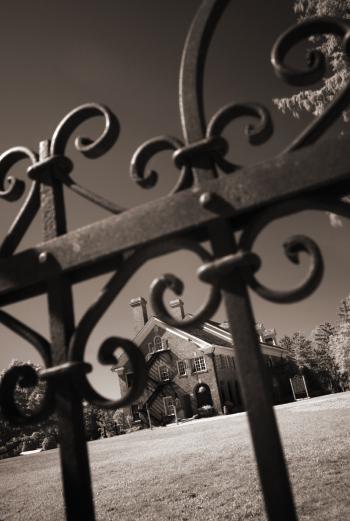 Felt Mansion gate