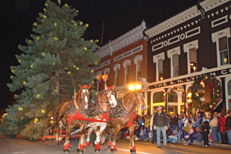 Manistee Victorian Sleighbell Parade Todd Reed