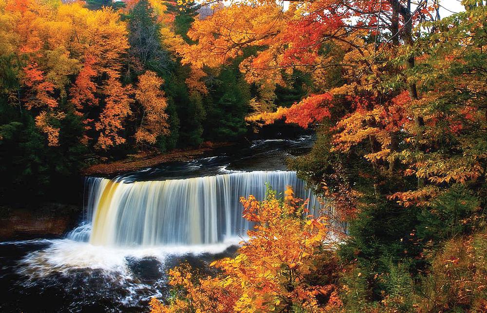 Tahquanamon Falls